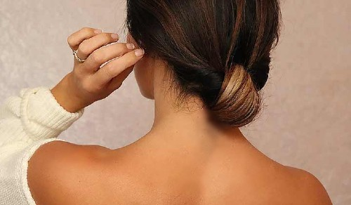 прическа для жирных волос шиньон из хвоста
