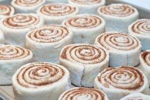Простой рецепт булочек Синнабон