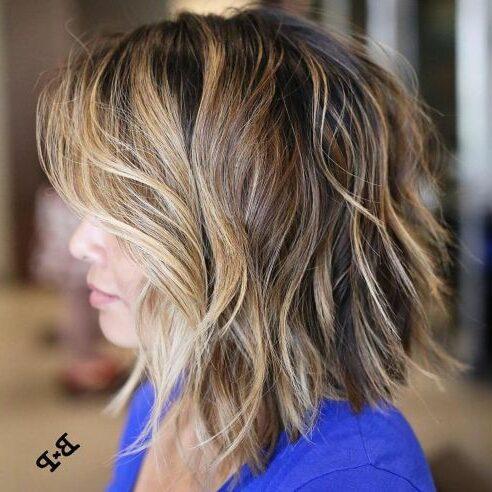 Красивые женские стрижки для волос средней длины волны мелирование