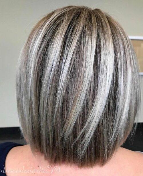 Красивые женские стрижки для волос средней длины пряди