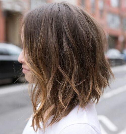 Красивые женские стрижки для волос средней длины темные